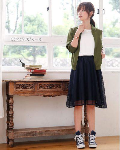 主に20代後半から30代に大人気のレディースファッション通販サイトです。上品な着こなしが魅力です。