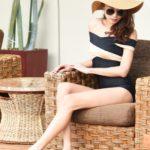 おしゃれで体形もカバーできる「水着」と「夏アイテム」で、大人のリゾートスタイルを満喫♡