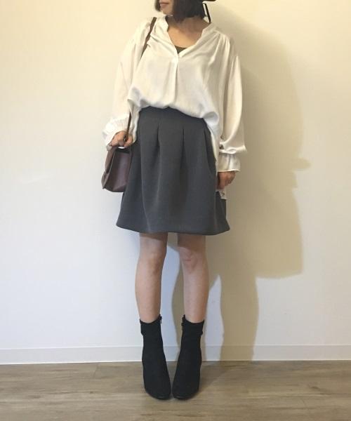ミニフレアスカートをを使った30代ミニスカコーデ
