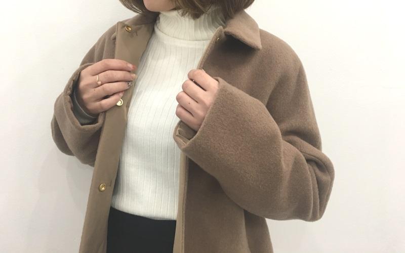 秋冬どちらも使えるDoCLASSEマジカルサーモリバーシブル・ウールコートの着用レビュー