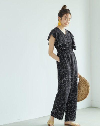 2020年30代女性の春夏トレンドファッション・ジャンプスーツ