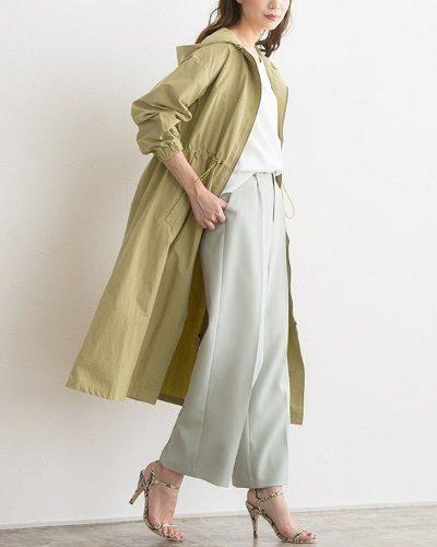 2020年30代女性の春夏トレンドファッション・マウンテンパーカー