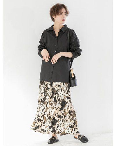 2020年30代女性の春夏トレンドファッション・プリーツ素材