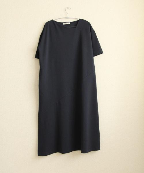 DoCLASSE シルキーコットン・アシメネックワンピース 5,489円(税込)