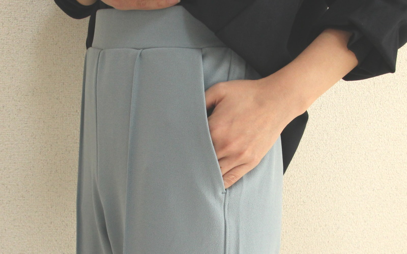 DoCLASSE フレクシージョーゼット・テーパードスリム 4,389円(税込)