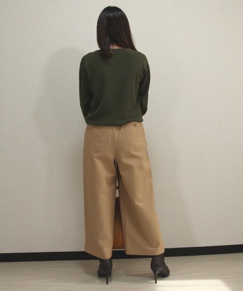 DoCLASSE 総針ニット・ボートネックプルオーバー3,289円(税込)